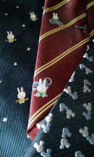 ミッフィー柄のネクタイ